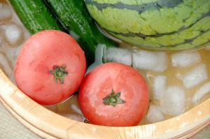冷やしたトマト・スイカ・キュウリ[1]